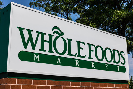Mishawaka - Circa August 2018: Whole Foods Market. Amazon is expanding Whole Foods delivery in different US states VIII Redactioneel