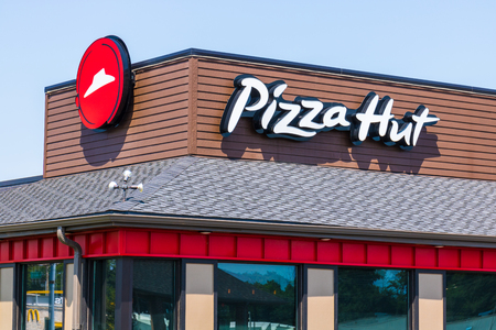 Peru - Circa August 2018: Pizza Hut Fast Casual Restaurant. Pizza Hut is a subsidiary of YUM! Brands II Reklamní fotografie - 112290191