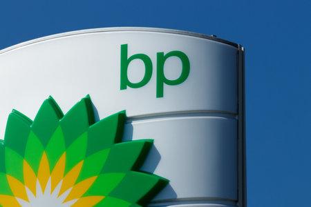 Fort Wayne - ca. August 2018: BP Tankstelle für den Einzelhandel. BP ist eines der weltweit führenden integrierten Öl- und Gasunternehmen IV