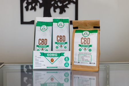 Marion - Circa March 2019: Green Roads CBD Coffee. The popularity of CBD oil as a medicinal product has skyrocketed I Banco de Imagens - 125083972