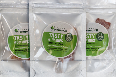 Muncie - Circa March 2019: CBD Infused Edible Gummies. The popularity of CBD oil as a medicinal product has skyrocketed III Banco de Imagens - 125168226