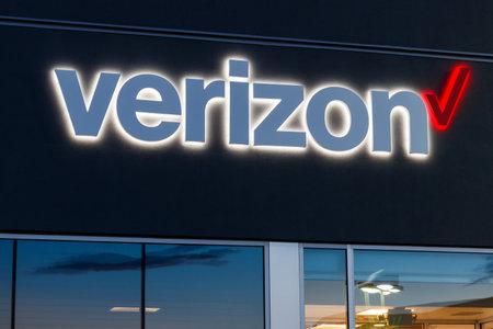 Las Vegas - Circa June 2019: Verizon Wireless Retail Location. Verizon delivers wireless, high-capacity fiber optics and 5G communications V