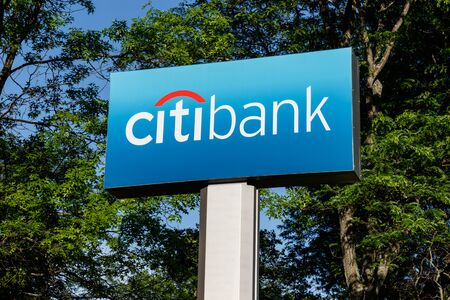 Deerfield - Circa June 2019: Citibank retail bank branch. Citibank is the consumer division of financial services multinational Citigroup II 에디토리얼