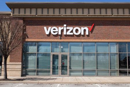 Noblesville - Circa April 2020: Temporarily closed Verizon Wireless Retail Location. Verizon has closed many stores due to COVID-19.