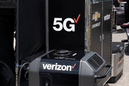 Indianapolis - Circa May 2021: Verizon and its 5G logo. Verizon delivers wireless, high-capacity fiber optics and 5G communications.