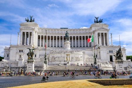 Piazza Venezia, Vittoriano. Altar of Fatherland or Altare della Patria,Monument of Victor Emmanuel 2, first king of unified Italy. Il Monumento nazionale a Vittorio Emanuele II
