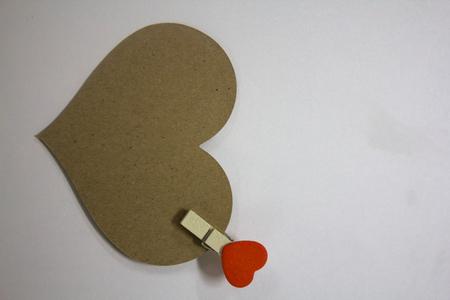 Brown paper heart. Archivio Fotografico - 104550765