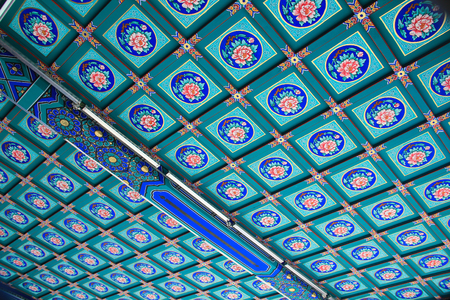 Pattern on the ceiling