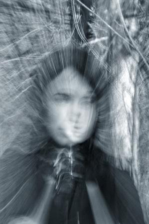 ghost face: Closeup ritratto di una ragazza fantasma