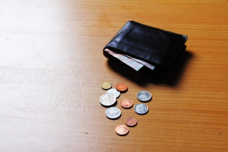 empty wallet: Baht out of wallet