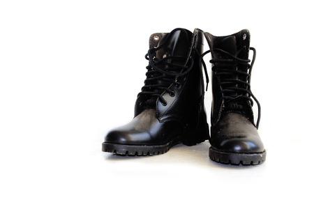 untied: De cuero negro del top del alto botas con cordones desatados