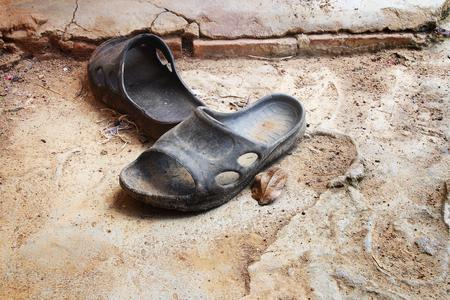sandal: sandalia de edad