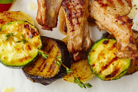 Grilled vegetables with thyme and balsamic vinegar