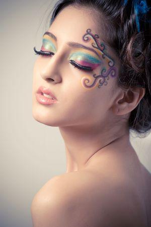 maquillaje fantasia: Hermosa joven con maquillaje de fantas�a  Foto de archivo