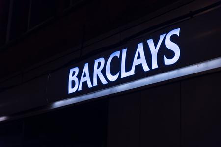 Northampton Reino Unido 3 de octubre de 2017: Barclays Bank logo sign stand Northampton industrial estate.