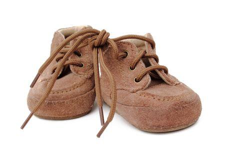 Isolé des chaussures de cuir brun suede. fond blanc. Banque d'images - 8192748