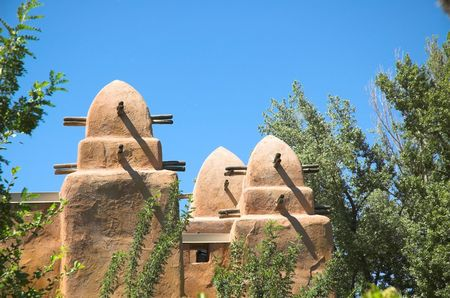 Image of african architecture copied in north american zoo.