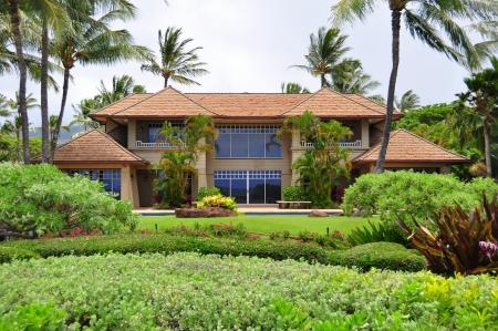 Lado del océano de bienes de lujo a casa en Maui Beach en el oeste de Maui Foto de archivo - 14720873