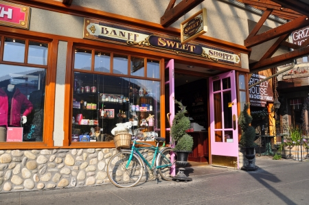 shoppe: BANFF, ALBERTA - September 24: Banff Sweet Shoppe on September 24, 2012 in Banff National Park, Alberta, Canada. Banff Avenue is the central shopping district in the town of Banff Editorial