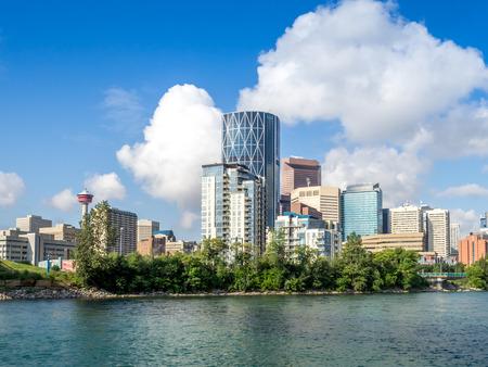 カナダ アルバータ州カルガリーにそびえる超高層ビル。 写真素材