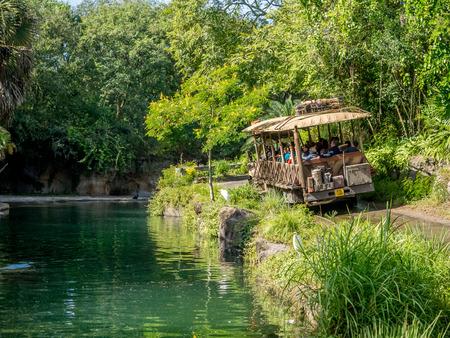 Safari ride at the Animal Kingdom Theme Park at Disney World in Orlando Florida. 新聞圖片