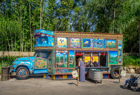 Food truck at the Animal Kingdom Theme Park at Disney World in Orlando Florida Éditoriale