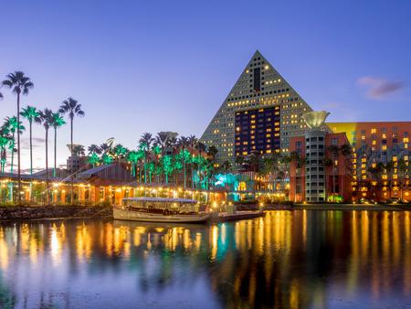 Swan and Dolphin hotel at Disneys Epcot Center Redakční