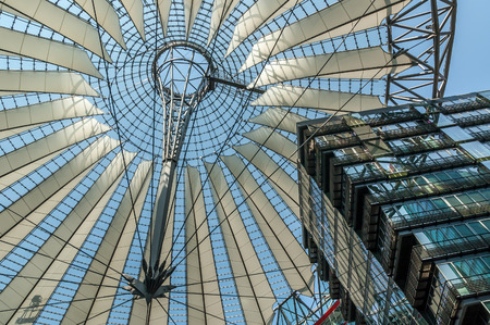 platz: Roof of the Sony Center on Potsdamer Platz in Berlin, Gemany on May 8, 2006. Sony Center is a Sony-sponsored building complex located at the Potsdamer Platz.