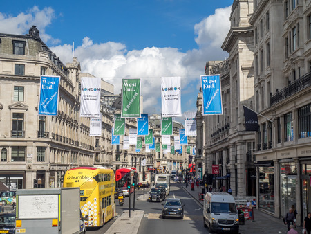 LONDON UNITED, KINGDOM - AUG 1: Architecture along London's famous Regent Street on August 1, 2017. It is a very central shopping and luxury location featuring the many famous brands. Redactioneel