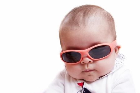 baby met zonnebril
