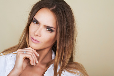 beauty model: Beautiful woman model with fresh daily makeup and romantic look