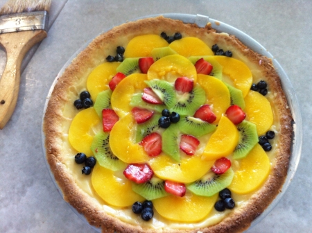 Beautiful and colorful tart with fruit delicious Reklamní fotografie