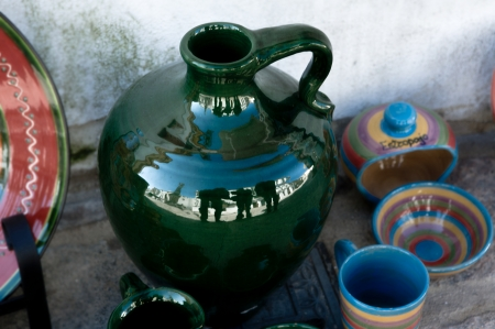 moresque: Colorful ceramic spanish jars and bowls
