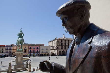 conquistador: TRUJILLO, SPAIN, 24 JULY  Priest Mr  Ramon statue at the historical square of Trujillo, Spain  On july 24, 2014  Mr  Ramon Nunez was highly regarded in town Editorial