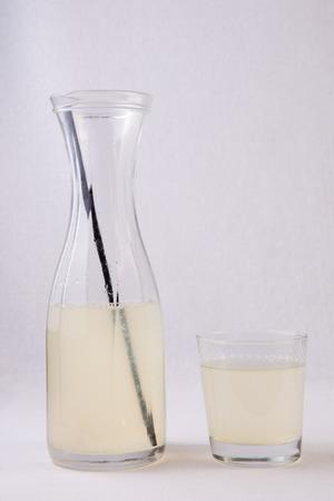 diarrea: Limonada alcalina es una bebida utilizada en la rehidrataci�n de forma m�s eficaz para que solo agua. Su utilizado en caso de deshidrataci�n o diarrea