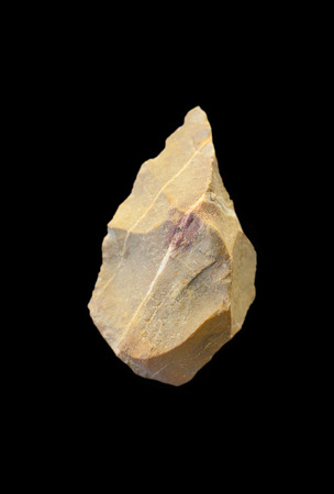 Bifaz Neolítico. Herramientas de piedra a dos caras utilizado como propósitos múltiples cuchillo, fabricado mediante un proceso de reducción lítica, que muestra las cicatrices de escamas en ambos lados