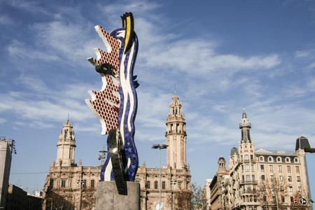 moll: BARCELONA-DEC 31: El Cap de Barcelona on december 31, 2007 in Barcelona. El Cap de Barcelona is a sculpture created by American Pop artist Roy Lichtenstein