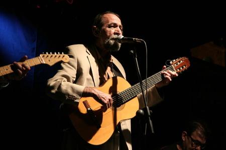 pablo: La Nava de Santiago, Spain 25072008 - Concert of the spanish singer-songwriter Pablo Guerrero