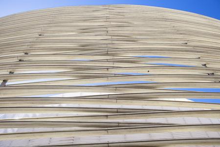 fibra de vidrio: Badajoz, España, 19 de Abril: Centro de Congresos edificio diseñado por José Selgas y Lucía Cano. anillos de fibra de vidrio Editorial