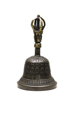 Varja associé à une cloche utilisée pour chasser les mauvais esprits dans le rituel bouddhiste tantrique. Isolé sur blanc
