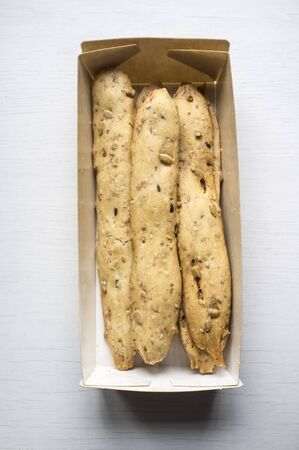 Cereal bars made of bread. Snacks similar to breadsticks, and often served with various dishes or snacks