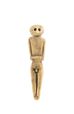 Cabra, Spain - April 19th, 2019: Chalcolithic anthropomorphous idol of Valencina de la Concepcion, Seville. Representation of deities made of bones at Archeological Museum of Cabra. Reproduction 新聞圖片