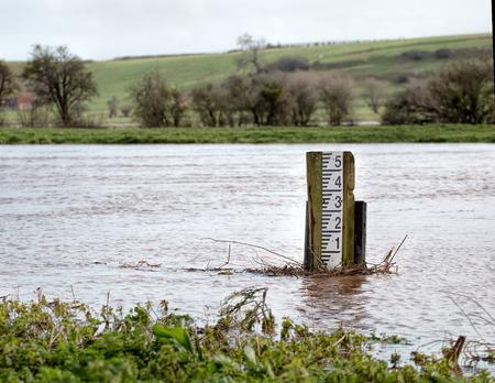 pluviometro: Flooding River. High Water Level Marker Gauge Foto de archivo