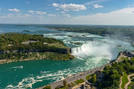 Niagara Falls uitzicht vanaf Skylon Tower platform