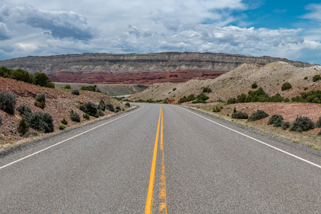 A road leading into the Bighorn Mountain Recreation Area in Northern Wyoming. Zdjęcie Seryjne