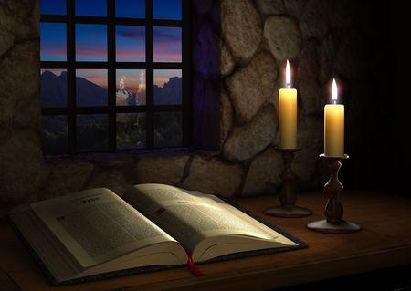 historias biblicas: Biblia abierta iluminada por dos velas en frente de una ventana al atardecer  Foto de archivo