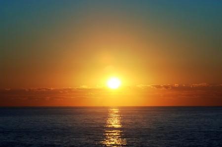 Sunrise over the Atlantic Ocean 版權商用圖片