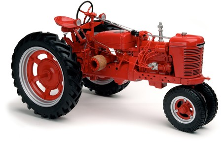 vintage red Farmall tractor on white background Banco de Imagens