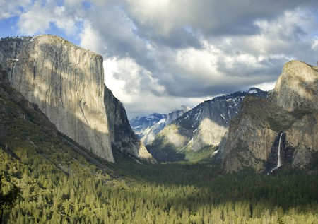 tunnel view: Yosemite Valley from the Tunnel View