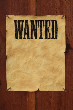 오래 된 서쪽 스타일 복사본에 대 한 빈 공간을 가진 판자 울타리에 찍 히 길 포스터 싶 었 어 요.